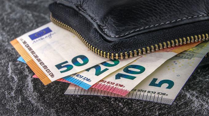 El salari mínim interprofessional es fixa en 900 euros per a 2019